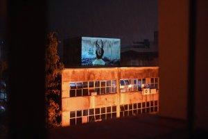 Arte brasileira projetada em prédios de 11 países, dia 11/dez